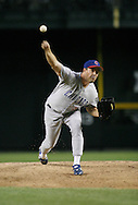 Phoenix, AZ-04-28-04 Greg maddux pitches in a 4-3 win over the Arizona Diamondbacks. Maddux pitched 6 innings allowing 6 hits and 2 runs. Ross Mason photo
