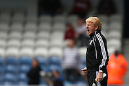 Loftus Road, London - Saturday 11th September 2010: Gordon Strachan, manager of Middlesborough shouts at his players during the Npower Championship match between Queens Park Rangers and Middlesborough. (Photo by Andrew Tobin/Focus Images)