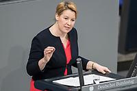 14 FEB 2019, BERLIN/GERMANY:<br /> Franziska Giffey, SPD, Bundesfamilienministerin, haelt eine REde, Bundestagsdebatte, Plenum, Deutscher Bundestag<br /> IMAGE: 20190214-01-007<br /> KEYWORDS: Bundestag, Debatte