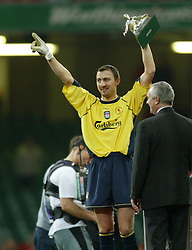 CARDIFF, WALES - Sunday, March 2, 2003: Liverpool's goalkeeper and man-of-the match Jerzy Dudek celebrates victory Manchester United during the Football League Cup Final at the Millennium Stadium. (Pic by David Rawcliffe/Propaganda)