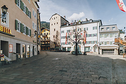 20.03.2020, Zell am See, AUT, tägliches Leben mit dem Coronavirus, im Bild kein Mensch ist auf dem Stadtplatz unterwegs. Leere Plätze in der Innenstadt von Zell am See. Für ganz Österreich wurde eine Ausgangsbeschränkung der Bundesregierung ausgesprochen // no one is on the move in the pedestrian zone. Empty places in the city centre of Zell am See. The Austrian government is pursuing aggressive measures in an effort to slow the ongoing spread of the coronavirus, Zell am See, Austria on 2020/03/20. EXPA Pictures © 2020, PhotoCredit: EXPA/ Stefanie Oberhauser