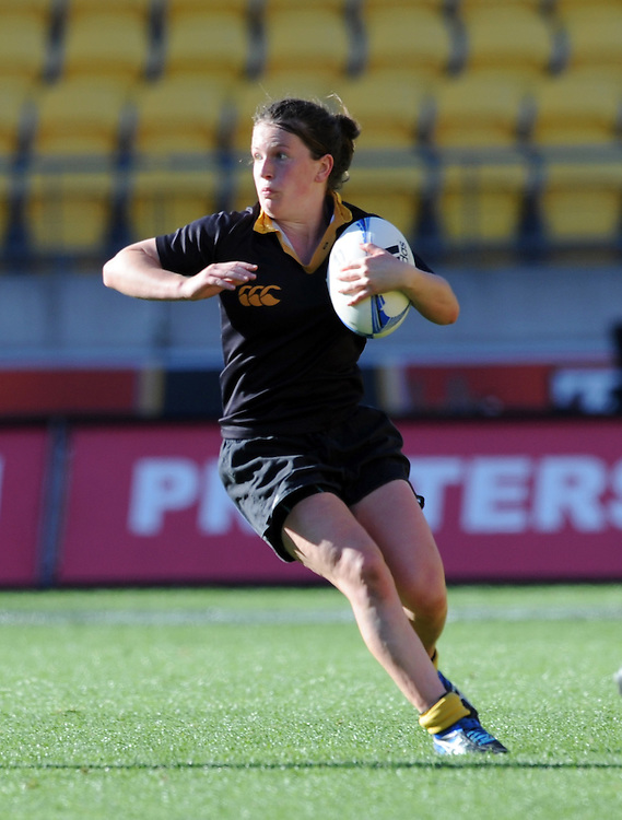 Wellington's Lizzie Goulden against Auckland in the Provincial Women's Championship rugby match, Westpac Stadium, Wellington, New Zealand, Saturday, September 29, 2012. Credit:SNPA / Ross Setford