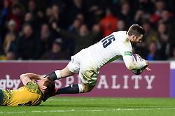 Elliot Daly of England scores a try in the second half - Mandatory byline: Patrick Khachfe/JMP - 07966 386802 - 24/11/2018 - RUGBY UNION - Twickenham Stadium - London, England - England v Australia - Quilter International