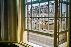 Canais de Amsterdam visto pela janela de um hotel. A cidade é conhecida por seu porto histórico, seus museus de fama internacional, pelo Red Light District, seus coffeeshops liberais, e seus inúmeros canais. FOTO: Jefferson Bernardes/Agência Preview