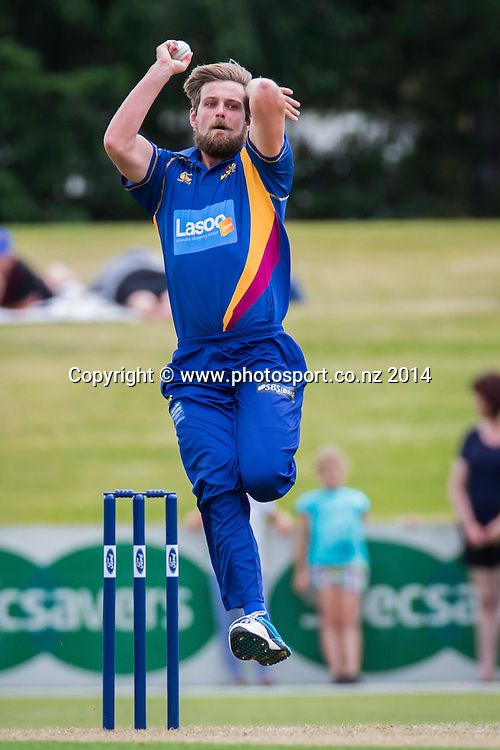 Sam Wells bowls for the Otago Volts - Volts v Knights, Saturday, 27 December 2014, Molyneux Park, Alexandra - List-A Match - Ford Trophy CREDIT: Libby Law / www.photosport.co.nz