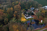 Nederland, Utrecht , Gemeente Houten, 15-11-2010; Kasteel Wickenburg bij Houten met duiventoren bij de vijver..The castle of Wickenburg in central Netherlands, pigeonhouse near the pond..luchtfoto (toeslag), aerial photo (additional fee required).foto/photo Siebe Swart