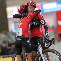 08-12-2019: Wielrennen: Superprestige: Zonhoven: Annemarie Worst wint in Zonhoven voor Ceylin Alvarado en Yara Kastelijn