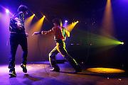 """Paris, France. 23 Novembre 2007.Les Naive New Beaters en concert au Showcase.""""L'homme-machine"""" Eurobelix (gauche) et le chanteur David Boring (droite)...Paris, France. November 23rd 2007..The Naive New Beaters performs at the Showcase..Eurobelix (left) and the singer David Boring (right)"""