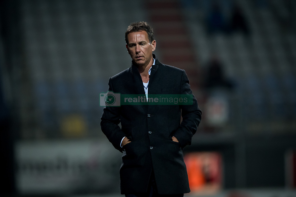 coach Leon Vlemmings of Go Ahead Eagles during the Jupiler League match between FC Emmen and Go Ahead Eagles at the JenS Vesting on September 22, 2017 in Emmen, The Netherlands