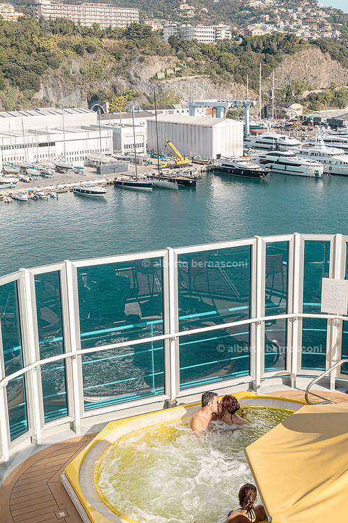 COSTA CROCIERE, Diamante Boat, RELAXING IN THE jACUZZI POOL
