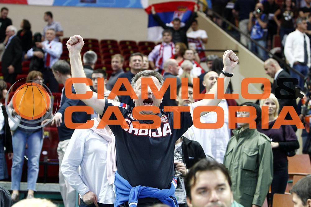 DESCRIZIONE : Katowice Poland Polonia Eurobasket Men 2009 Semifinali Semifinal Serbia Slovenia<br /> GIOCATORE : Tifosi Supporters Serbia<br /> SQUADRA : Serbia<br /> EVENTO : Eurobasket Men 2009<br /> GARA : Serbia Slovenia<br /> DATA : 19/09/2009 <br /> CATEGORIA : esultanza<br /> SPORT : Pallacanestro <br /> AUTORE : Agenzia Ciamillo-Castoria/E.Castoria<br /> Galleria : Eurobasket Men 2009 <br /> Fotonotizia : Katowice  Poland Polonia Eurobasket Men 2009 Semifinali Semifinal Serbia Slovenia<br /> Predefinita :