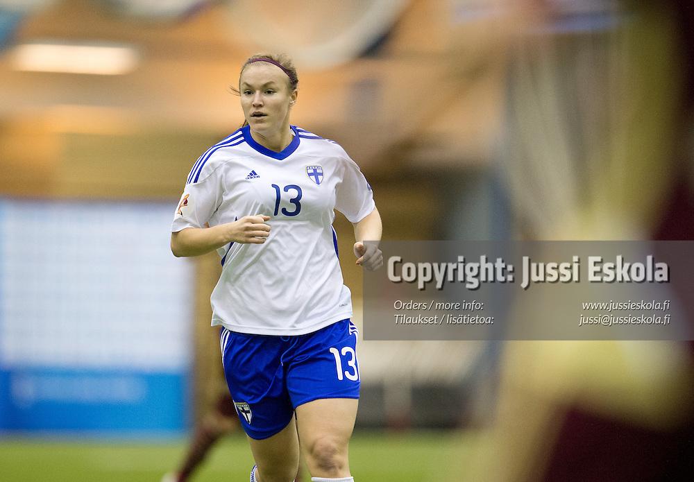 Heidi Kivelä. Suomi - Venäjä. Naisten maaottelu. Eerikkilä 14.2.2013. Photo: Jussi Eskola
