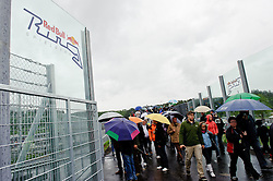 15.05.2011, Red Bull Ring, Spielberg, AUT, RED BULL RING, SPIELBERG, EROEFFNUNG, im Bild ein Feature mit Zusehern // Visitors during the official Opening for the Red Bull Circuit in Spielberg, Austria, 2011/05/15, EXPA Pictures © 2011, PhotoCredit: EXPA/ S. Zangrando
