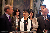 Aung San Suu Kyi, Mayor of Paris Bertrand Delanoë