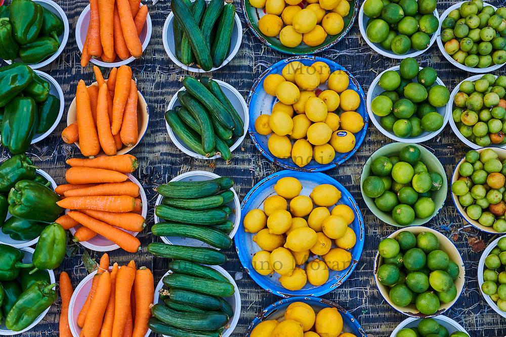 Sultanat d'Oman, gouvernorat de Ash Sharqiyah, Sinaw, marché aux légumes // Sultanate of Oman, Al Sharqiya Region, Sinaw, vegetable market