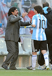 17.06.2010, Soccer City Stadium, Johannesburg, RSA, FIFA WM 2010, Argentinien vs Südkorea im Bild Diego Armando Maradona (Argentina) gratuliert Lionel Messi, EXPA Pictures © 2010, PhotoCredit: EXPA/ InsideFoto/ G. Perottino, ATTENTION! FOR AUSTRIA AND SLOVENIA ONLY!!! / SPORTIDA PHOTO AGENCY