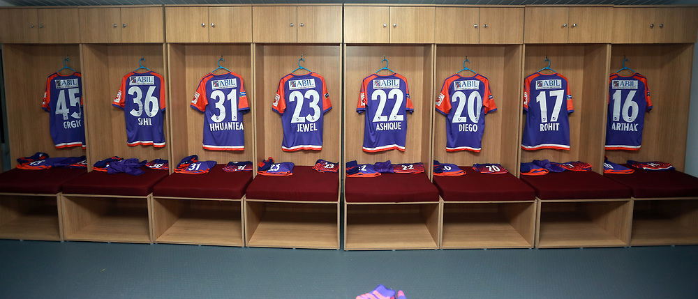 FC Pune City dressing room before the start of the match 38 of the Hero Indian Super League between Kerala Blasters FC and FC Pune City  held at the Jawaharlal Nehru Stadium,Kochi India on the 4th January 2018<br /> <br /> Photo by: Sandeep Shetty  / ISL / SPORTZPICS