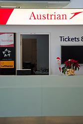 13.12.2010, Graz, AUT, Feature, im Bild Austrian Airlines am Flughafen Graz Thalerhof, EXPA Pictures © 2010, PhotoCredit: EXPA/ Erwin Scheriau