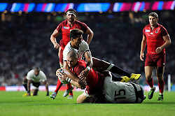 Mike Brown of England scores his second try of the match - Mandatory byline: Patrick Khachfe/JMP - 07966 386802 - 18/09/2015 - RUGBY UNION - Twickenham Stadium - London, England - England v Fiji - Rugby World Cup 2015 Pool A.