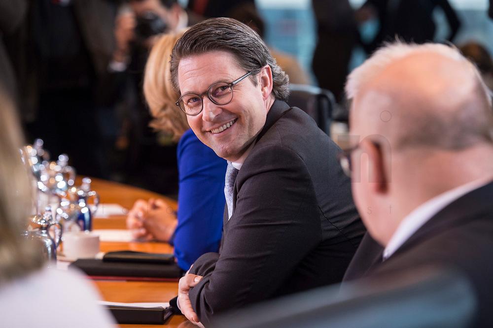 14 MAR 2018, BERLIN/GERMANY:<br /> Andreas Scheuer, MdB, CSU, Bundesminister fuer Verkehr und digitale Infrastruktur, vor Beginn der ersten Sitzung des Kabinetts Merkel IV, Kabinettsaal, Bundeskanzleramt<br /> KEYWORDS: Kabinett, Kabinettsitzung, Sitzung,, neues Kabinett