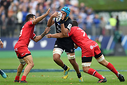 Zach Mercer of Bath Rugby takes on the Toulouse defence - Mandatory byline: Patrick Khachfe/JMP - 07966 386802 - 13/10/2018 - RUGBY UNION - The Recreation Ground - Bath, England - Bath Rugby v Toulouse - Heineken Champions Cup