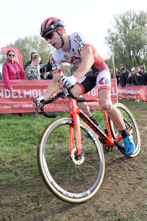 Belgium, November 1 2017:  Diether Sweeck (Era Real Estate - Circus) during the 2017 edition of the Koppenbergcross.  Copyright 2017 Peter Horrell.