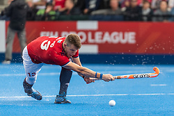 Sam Ward of Great Britain Men shoots at a penalty corner during the 2019 Men's FIH Pro League match at Lee Valley Hockey Centre, Stratford<br /> Picture by Simon Parker/Focus Images Ltd <br /> 18/05/2019