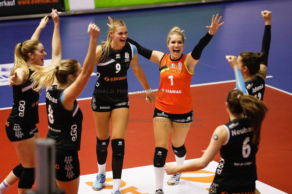 20161106 DUI: Bundesliga, Ladies in Black Aachen - MTV Allianz Stuttgart: Aachen<br />Vreugde bij Ladies in Black Aachen, Nika Daalderop (9), Kirsten Knip (1) of Ladies in Black Aachen <br />©2016-FotoHoogendoorn.nl / Pim Waslander