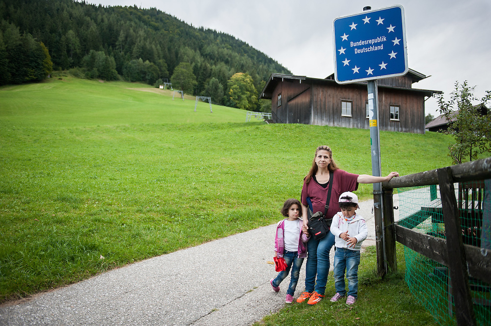 Afternoon, Wednesday 16th of September 2015. Aysha made it to Germany, her final destination. I thought they would be happy to take a picture under the sign, but both her and the kids were exhausted from the long uphill walk.