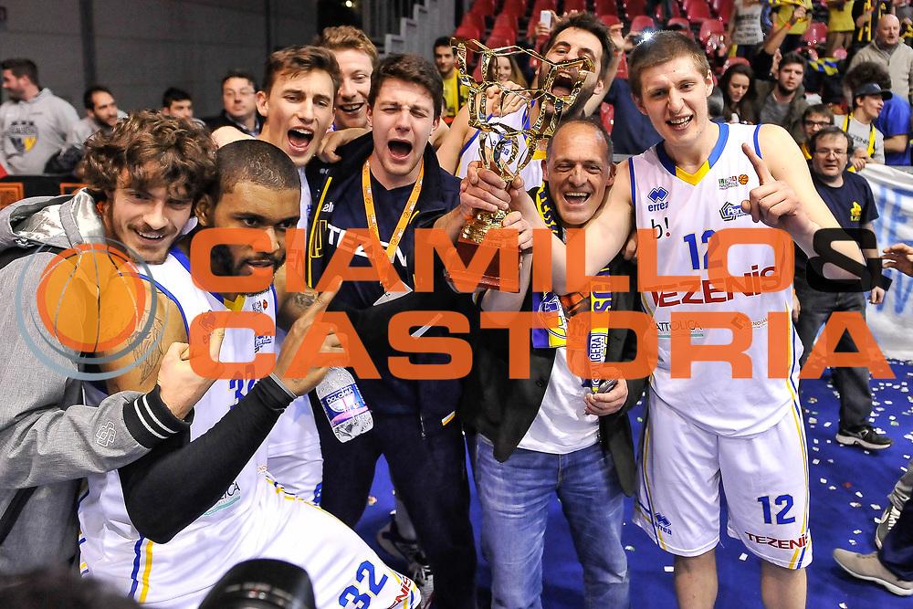 DESCRIZIONE : Final Six Coppa Italia A2 IG Cup RNB Rimini 2015 Finale FMC Ferentino - Tezenis Scaligera Verona<br /> GIOCATORE : Darryl Monroe<br /> CATEGORIA : Ritratto Esultanza Coppa Tifosi<br /> SQUADRA : Tezenis Scaligera Verona<br /> EVENTO : Final Six Coppa Italia A2 IG Cup RNB Rimini 2015<br /> GARA : FMC Ferentino - Tezenis Scaligera Verona<br /> DATA : 08/03/2015<br /> SPORT : Pallacanestro <br /> AUTORE : Agenzia Ciamillo-Castoria/L.Canu