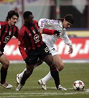 Milano 12-12-2004<br /> <br /> Campionato di calcio Serie A 2004-05<br /> <br /> Milan Fiorentina<br /> <br /> nella  foto Clarence Seedorf (sx) and Tomas Ujfalusi Fiorentina <br /> <br /> Foto Snapshot / Graffiti