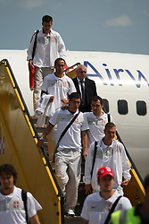 25.05.2010, Airport Salzburg, Salzburg, AUT, WM Vorbereitung, Serbien Ankunft im Bild Mannschaaft beim Aussteigen, Nationalteam Serbien, EXPA Pictures © 2010, PhotoCredit EXPA R. Hackl / SPORTIDA PHOTO AGENCY
