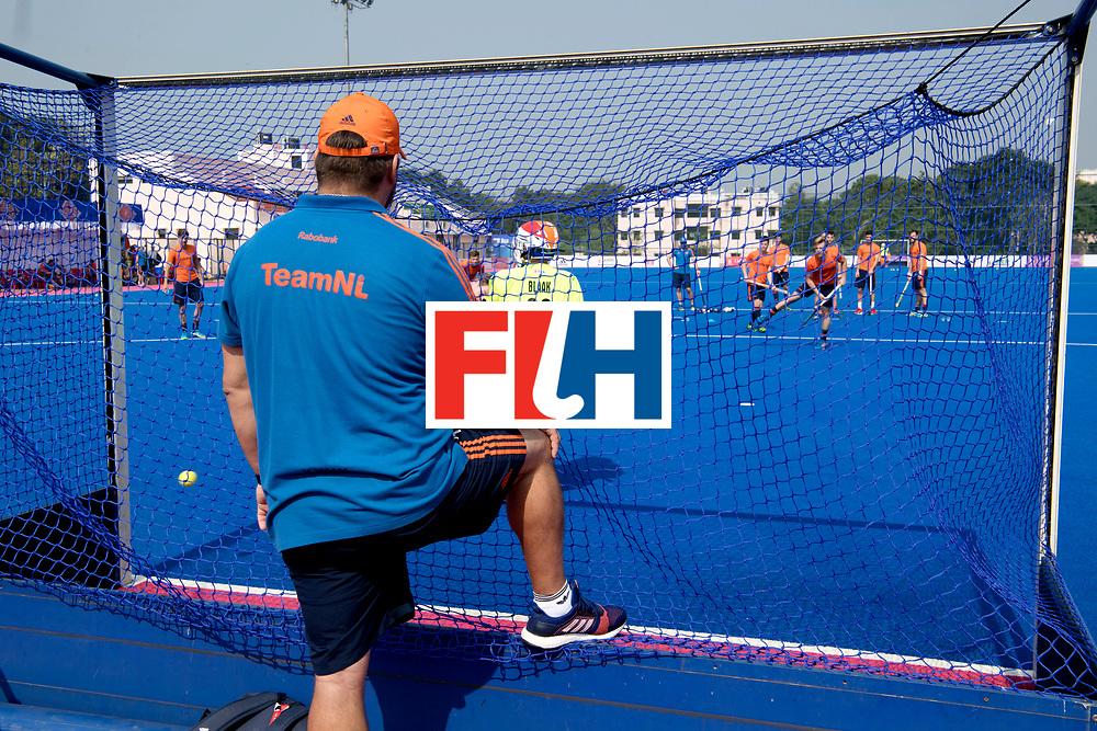 Odisha Men's Hockey World League Final Bhubaneswar 2017<br /> Match id:<br /> Nederlands Elftal traint op de eerste wedstrijd dag.<br /> Nederland komt op dag 2 in actie.<br /> Foto: Penalty corner practice Mirco Pruyser en Pirmin Blaak in the goal, Max Caldas observers.<br /> WORLDSPORTPICS COPYRIGHT FRANK UIJLENBROEK