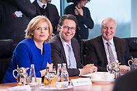 14 MAR 2018, BERLIN/GERMANY:<br /> Julia Kloeckner (L), MdB, CDU, Bundesministerin fuer Ernaehrung und Landwirtschaft, und Andreas Scheuer (M), MdB, CSU, Bundesminister fuer Verkehr und digitale Infrastruktur, und Horst Seehofer (R), CSU, Bundesminister des Innern, fuer Bau und Heimat, vor Beginn der ersten Sitzung des Kabinetts Merkel IV, Kabinettsaal, Bundeskanzleramt<br /> IMAGE: 20180314-02-022<br /> KEYWORDS: Julia Kl&ouml;ckner, Kabinett, Kabinettsitzung, Sitzung,, neues Kabinett