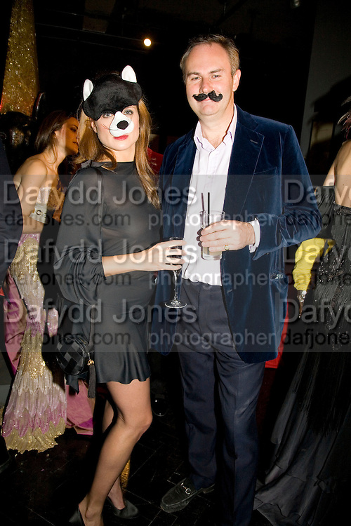 VANESSA NEUMANN AND WILLIAM CASH, Patti and Andy Wong  host a night of Surrealism to Celebrate the Chinese Year of the Rat. County Hall Gallery and Dali Universe. London. 27 January 2008. -DO NOT ARCHIVE-© Copyright Photograph by Dafydd Jones. 248 Clapham Rd. London SW9 0PZ. Tel 0207 820 0771. www.dafjones.com.