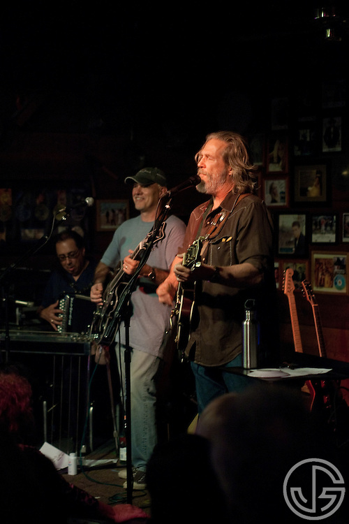 Jeff Bridges performs with Chris Pelonis at Maverick Saloon in Santa Ynez, California, on June 23, 2011. Jeff Bridges' self-titled album is due for an August 16, 2011, release on Blue Note Records.