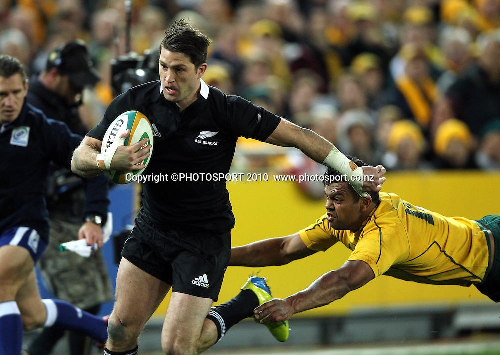 Cory Jane beats Kurtley Beale to score<br /> International Test rugby union match, Australia v New Zealand, Sydney, Australia. Saturday 18 August 2012. Photo: Paul Seiser/PHOTOSPORT