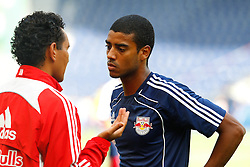17.07.2011, Red Bull Arena, Salzburg, AUT, 1. FBL, FC Red Bull Salzburg vs Austria Wien, im Bild Ricardo Moniz, (FC Red Bull Salzburg, Headcoach) mit Alan de Carvalho, (FC Red Bull Salzburg, Sturm, #27), EXPA Pictures © 2011, PhotoCredit: EXPA/ D. Scharinger