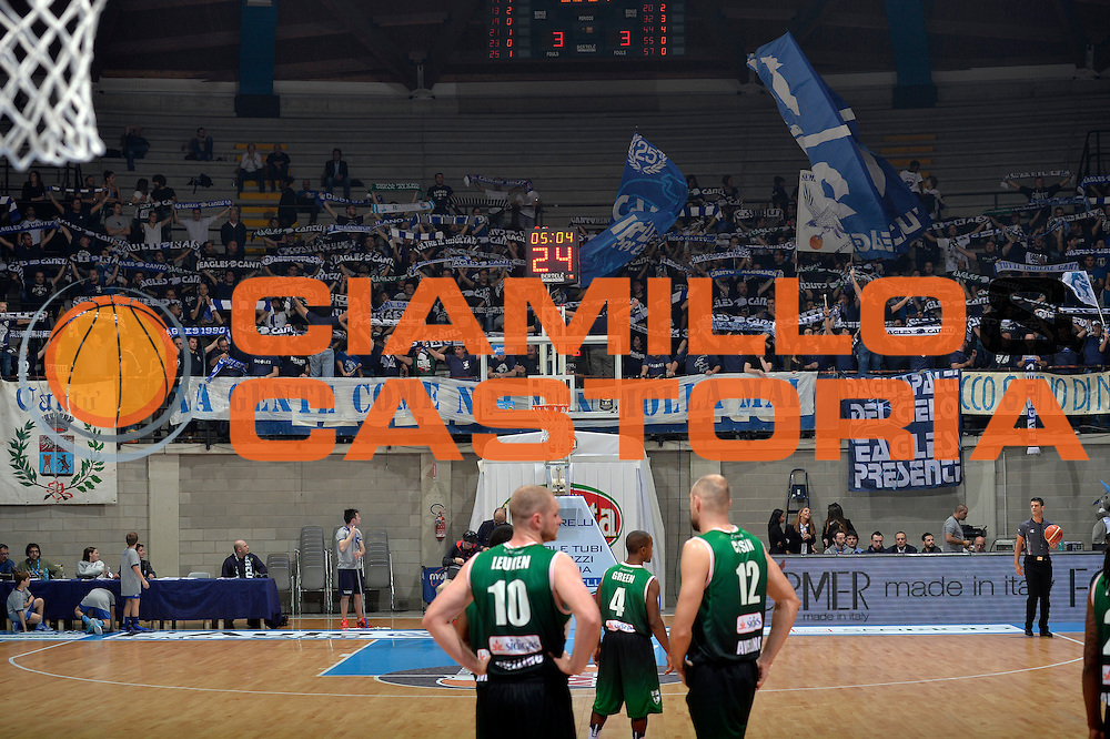 Cantu tifosi<br /> Red October Pallacanestro Cantu - Sidigas Scandone Avellino<br /> Lega Basket Serie A 2016/2017<br /> Desio, 12/12/2016<br /> Foto Ciamillo-Castoria