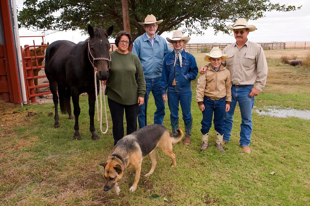 Republikaner und Cattle Farmer Gale Roger (81) mit der Familie seiner Tochter  in der Naehe der Rebublikaner-Hochburg Perryton, Texas..Republikaner-Hochburg Perryton, Texas. ..© Stefan Falke