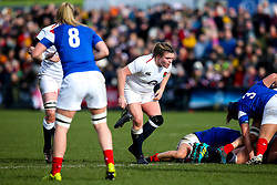 Sarah Bern of England Women holds on to her boot after it comes off her foot - Mandatory by-line: Robbie Stephenson/JMP - 10/02/2019 - RUGBY - Castle Park - Doncaster, England - England Women v France Women - Women's Six Nations