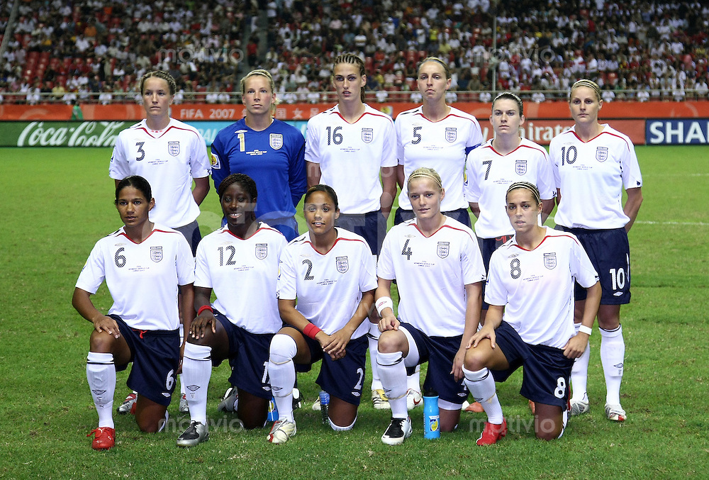 Fussball International Frauen WM China 2007  England 0-0 Deutschland England 0-0 Germany Mannschaftsbild ENG; Casey Stoney, Torfrau Rachel Brown, Jill Scott, Faye White, Karen Carney , Kelly Smith (hinten v.li.) Mary Phillip, Anita Asante, Alex Scott, Katie Chapman Fara Williams (vorn v.li)