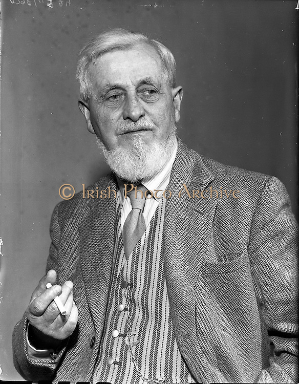 03/09/1958<br /> 09/03/1958<br /> 03 September 1958<br /> Mr Maurice Walsh (author) at David Courtney Ltd. Wine Merchants 21 Molesworth Street, Dublin.
