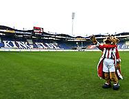 Vanaf het voetbalseizoen 2008-2009 heeft Willem II LED reclameborden in het stadion<br /> LED reclameborden van PLUS markten met Kingo<br /> Foto: Geert van Erven