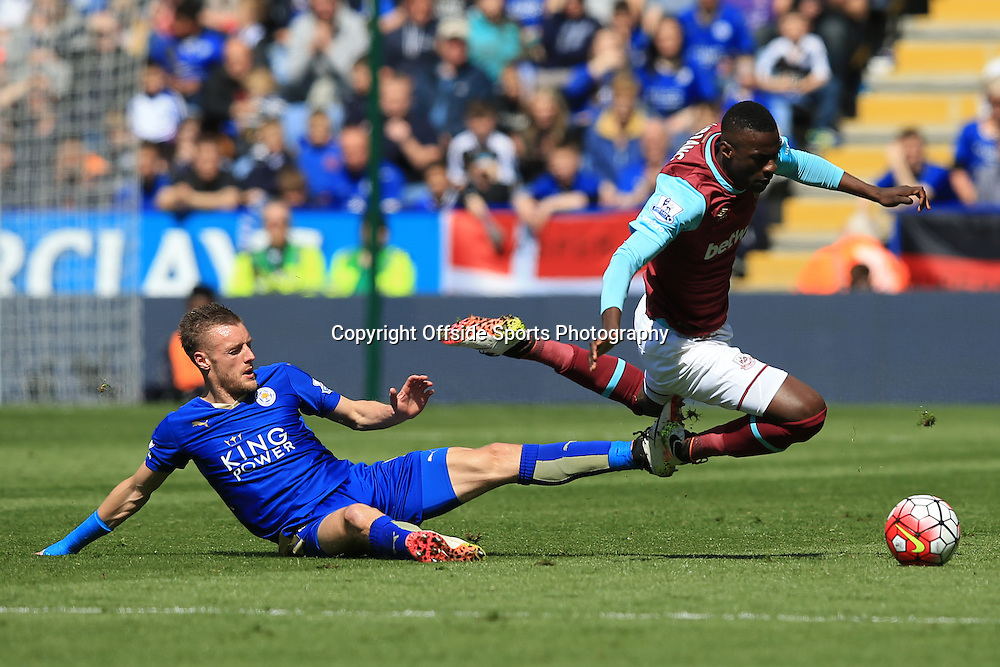 17 April 2016 - Barclays Premier League - Leicester City v West Ham United - Jamie Vardy of Leicester City fouls Cheikhou Kouyate of West Ham - Photo: Marc Atkins / Offside.