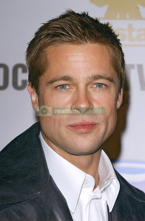Cast member Brad Pitt attends the world premiere of Ocean's Twelve at the Grauman's Chinese Theatre. Los Angeles, December 8, 2004. Photo by Lionel Hahn/ABACA.  Ocean's Twelve Ocean's 12 Pitt Brad Premiere Avant premiere Avant-premiere Premiere Seule Seul Seuls Seules Alone Soiree Party Los Angeles USA United States of America Vereinigte Staaten von Amerika Etats-Unis Etats Unis Headshot Portraits Portrait Headshots Head Shot Head Shots Vertical Vertical  | 70044_15