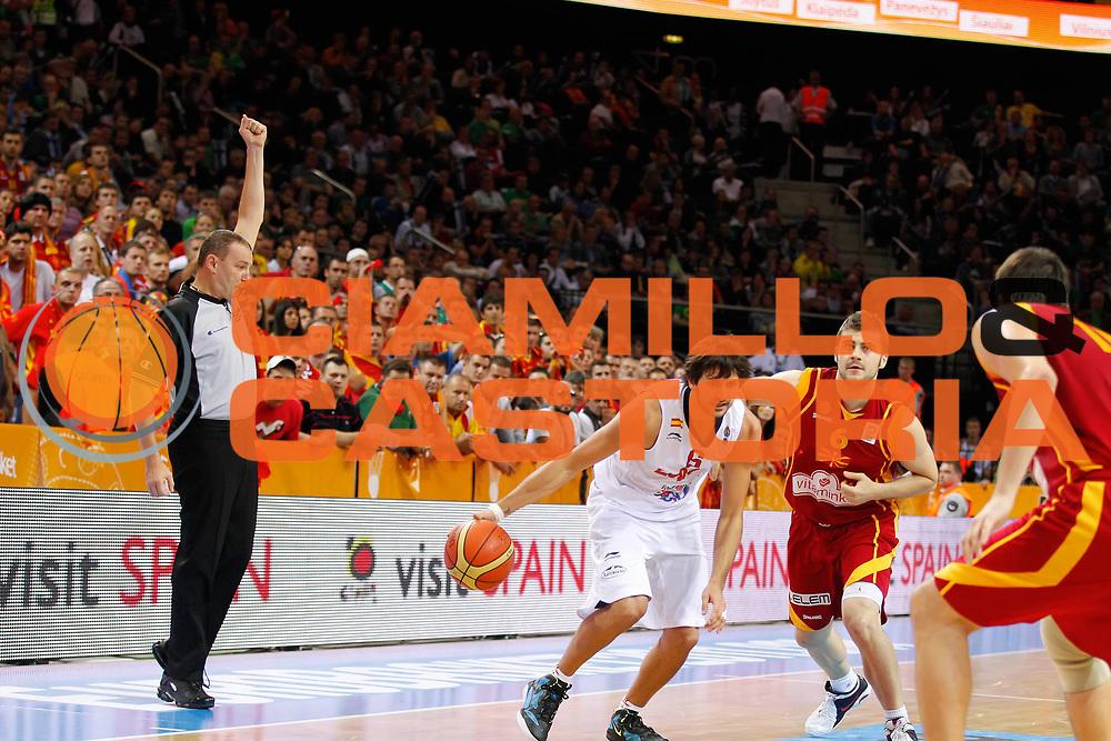 DESCRIZIONE : Kaunas Lithuania Lituania Eurobasket Men 2011 Semifinali Semi Final Round Spagna Macedonia Spain FYR of Macedonia<br /> GIOCATORE : Fabio Facchini<br /> SQUADRA : <br /> EVENTO : Eurobasket Men 2011<br /> GARA : Spagna Macedonia Spain FYR of Macedonia<br /> DATA : 16/09/2011 <br /> CATEGORIA : arbitro referees<br /> SPORT : Pallacanestro <br /> AUTORE : Agenzia Ciamillo-Castoria/ElioCastoria<br /> Galleria : Eurobasket Men 2011 <br /> Fotonotizia : Kaunas Lithuania Lituania Eurobasket Men 2011 Semifinali Semi Final Round Spagna Macedonia Spain FYR of Macedonia<br /> Predefinita :