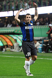 07.10.2012, Giuseppe Meazza Stadion, Mailand, ITA, Serie A, AC Mailand vs Inter Mailand, 7. Runde, im Bild 07.10.2012, Giuseppe Meazza Stadion, Mailand, ITA, Serie A, AC Mailand vs Inter Mailand, 7. Runde, im Bild Antonio Cassano Inter incita i tifosi // during the Italian Serie A 7th round match between AC Milan and Inter Milan at the Giuseppe Meazza Stadium, Milan, Italy on 2012/10/07. EXPA Pictures © 2012, PhotoCredit: EXPA/ Insidefoto/ Andrea Staccioli..***** ATTENTION - for AUT, SLO, CRO, SRB, SUI and SWE only *****