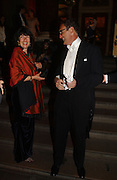 Christianne Amanpour and A.A. gill. Belle Epoche gala fundraising dinner. National Gallery. 16 March 2006. ONE TIME USE ONLY - DO NOT ARCHIVE  © Copyright Photograph by Dafydd Jones 66 Stockwell Park Rd. London SW9 0DA Tel 020 7733 0108 www.dafjones.com