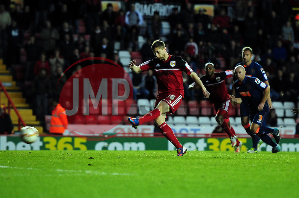 Bristol City's Steven Davies scores from the spot with his first kick of the game - Photo mandatory by-line: Joe Meredith/JMP  - Tel: Mobile:07966 386802 17/11/2012 - Bristol City v Blackpool - SPORT - FOOTBALL - Championship -  Bristol  - Ashton Gate Stadium -